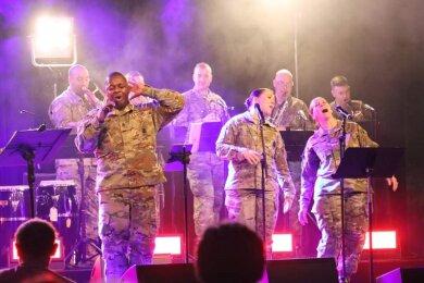 Eine Militärband der NATO sorgte in Frankenberg für den musikalischen Rahmen der Veranstaltung.