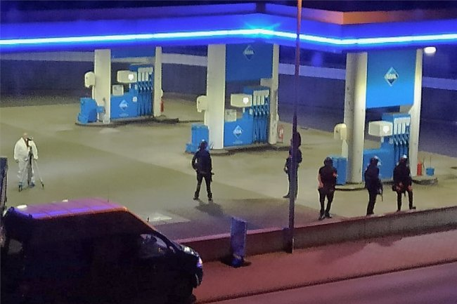 Tatort in Idar-Oberstein: In dieser Tankstelle erschoss ein 49-Jähriger einen 20 Jahre alten Studenten, der hier als Kassierer arbeitete.
