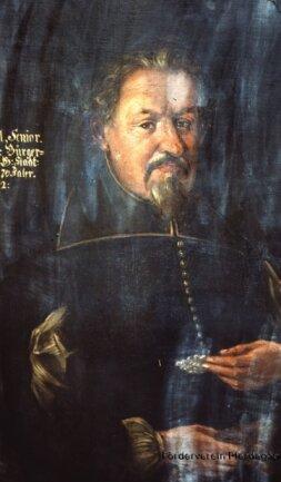 Diese drei Gemälde wurden vor 30 Jahren gestohlen. Sie zeigen Johann Löbel (links), den ersten Bürgermeister von Johanngeorgenstadt, ...