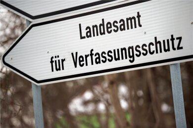 Plakate, die jetzt in Grünbach aufgetaucht sind, schreibt der sächsische Verfassungsschutz den Reichsbürgern zu.