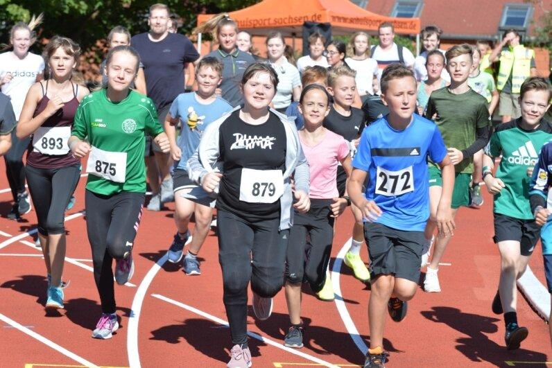 Läufer drehen Runden für den guten Zweck
