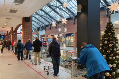 Am Donnerstagvormittag bildeten sich im Kaufland in der Sachsen-Allee lange Warteschlangen.