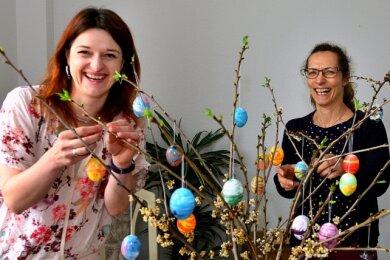 Janine Klinge, Claudia Gibalowski und Heike Sparmann (v. l.) in der Geschäftsstelle der Landfrauen in Frankenberg. Sie sorgen dafür, dass das Vereinsleben weitergeht.
