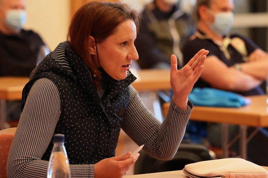 Doreen Rahmig (AHL) konnte sich in der Stadtratssitzung nicht durchsetzen. Sie wollte erst die Perspektiven der Schulen durchleuchten, bevor über eine Million Euro für den Turnhallenbau freigegeben werden.