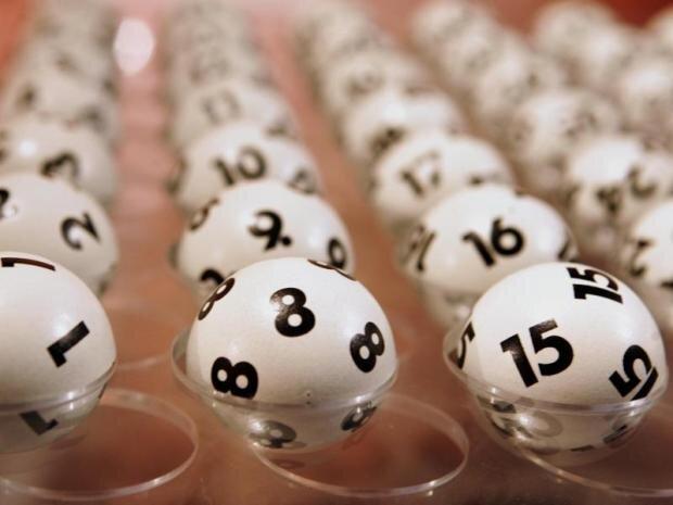 Um 9 Millionen Euro reicher: Vogtländer lösen Jackpot im Lotto ein