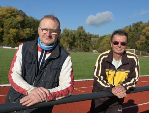 Während ein Großteil der Laufveranstaltungen im Vogtland auf der Strecke blieb, wagten sich René Weigel (links) und Reiner Milek vom VfB Lengenfeld an die Austragung ihres 51. Göltzschtal-Marathons - und wurden für ihren Mut belohnt. Trotz einiger durch das Hygienekonzept bedingter Einschränkungen gingen Ende Oktober 209 Aktive auf die klassische Marathondistanz, so viele wie noch nie.