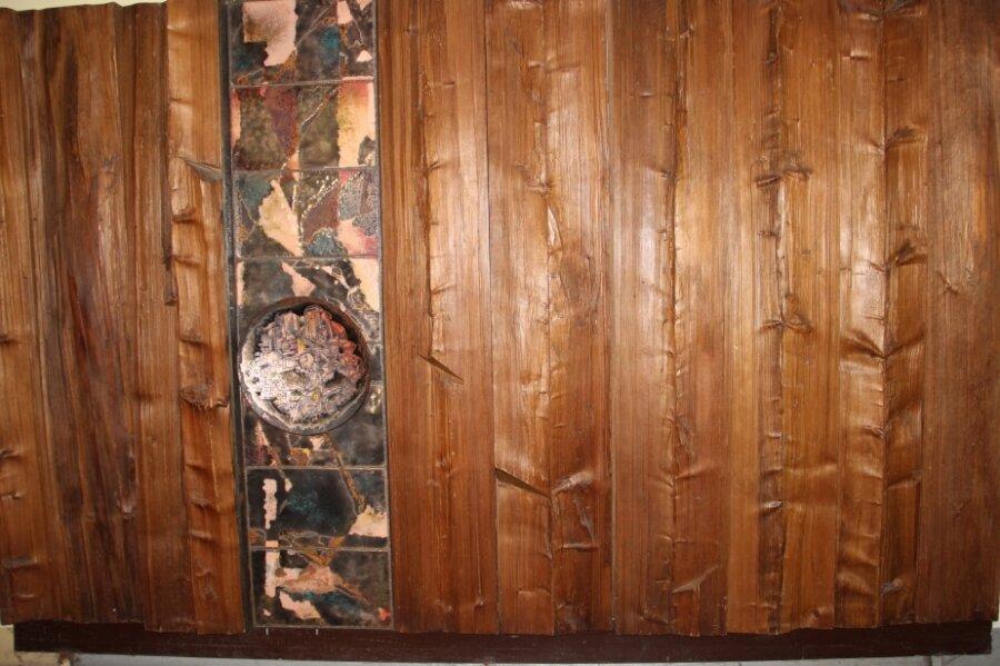 Diese Brockhage-Wand - zuletzt im Flur des 1. Stocks im Beruflichen Schulzentrum in Schwarzenberg - ähnelt einer Brockhage-Wandgestaltung im Fichtelberghaus.