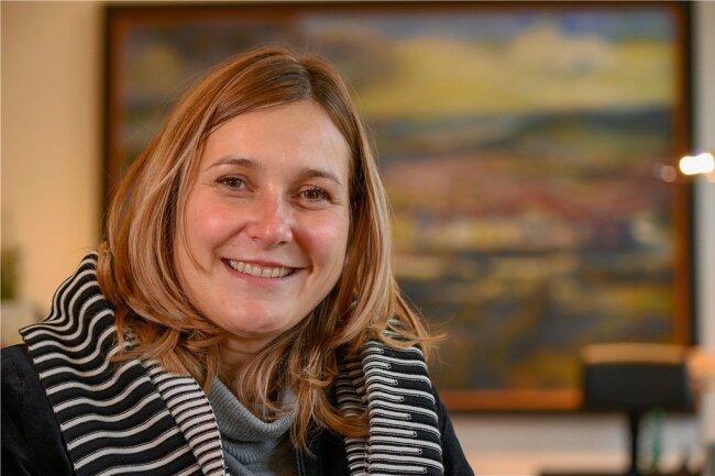 Lächeln, nachdenken und nachfragen, wenn etwas fremd ist: Oberbürgermeisterin Constance Arndt.