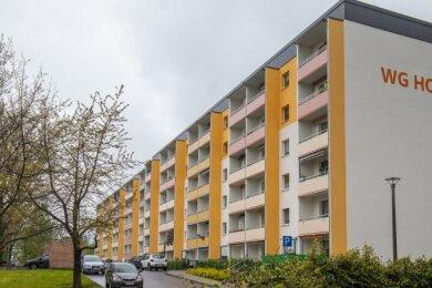 An der Sonnenstraße hat die Wohnungsgesellschaft in Plattenbauten und Außenanlagen investiert. Doch nicht alles findet Beifall