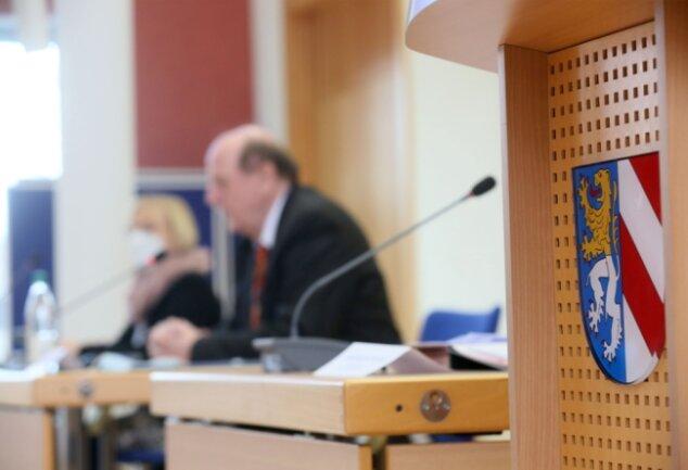 Landrat Christoph Scheurer (hier bei einer Pressekonferenz im März) wird im kommenden Jahr seinen Stuhl räumen. Dann geht der heute 64-Jährige in Rente.