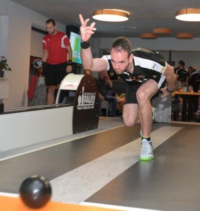 Rico Kämpe überzeugte am Freitagabend gegen Schönebeck mit einer starken Leistung. Sein Duell im Mitteldurchgang entschied der Stollberger souverän für sich.