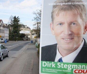 """<p class=""""artikelinhalt"""">Wahlplakat an der Werdauer Straße in Neukirchen. Im Hintergrund ist die Ortsgrenze zu Crimmitschau. </p>"""