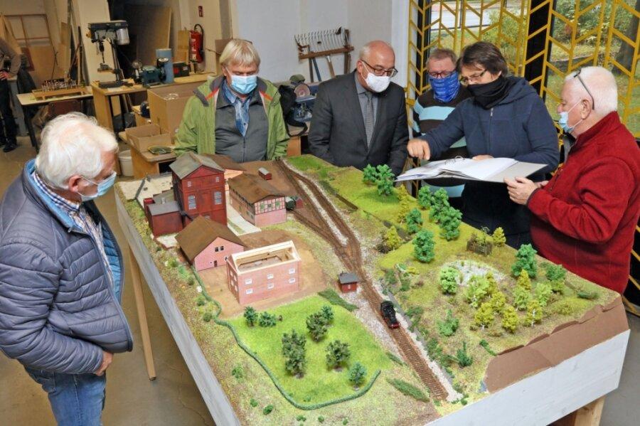 Steinkohlenbergbau: Zwickauer bauen Modelle für Ausstellung in Reinsdorf