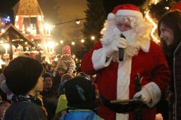 2018 besuchte auch der Weihnachtsmann den Weihnachtsmarkt in Irbersdorf.