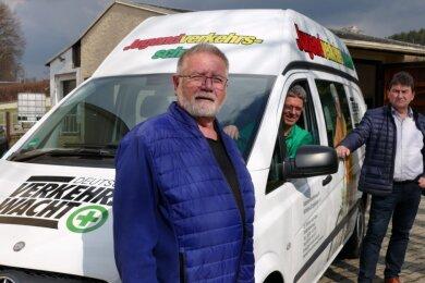Schatzmeister Albrecht Kohlsdorf, Vereinschef Stephan Heiße und Beisitzer Frank Koschela (von links) gehören zum aktuellen Vorstand der Gebietsverkehrswacht Mittleres Erzgebirge.