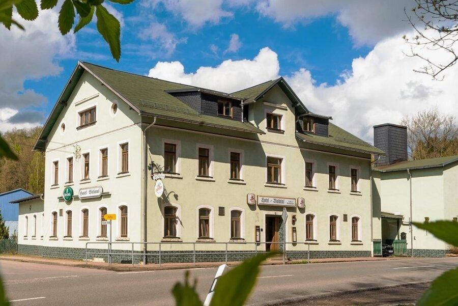 Im ehemaligen Hotel Bielatal im Olbernhauer Ortsteil Hallbach direkt an der B 171 sollen Nahrungsergänzungsmittel hergestellt werden.