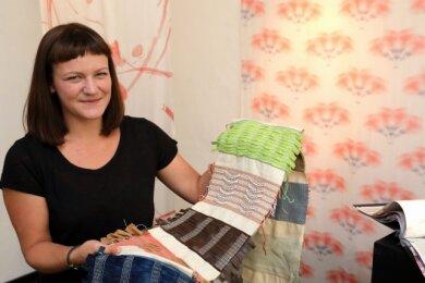 Theresa-Marleen Weiß ist glücklich, in ihrer Heimatstadt Schwarzenberg ihre Arbeiten in einer ersten Ausstellung zeigen zu können.