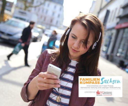 Audio-Guide statt Reiseführer aus Fleisch und Blut: Viele Städte und Gemeinde lassen sich inzwischen mit digitaler Anleitung per Smartphone erkunden. Sicher ist das auch eine Option für viele Kommunen in Westsachsen - vorausgesetzt, die jeweilige Gegend ist kein digitales Brachland.