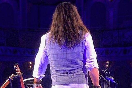 Allein im leeren Saal: Als Musiker nicht vor Publikum stehen zu können, ist ein hartes Los.