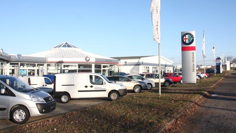 Das Autohaus an der Oberlungwitzer Straße wird zu Jahresbeginn schließen. Die ersten Fahrzeuge wurden bereits abtransportiert.
