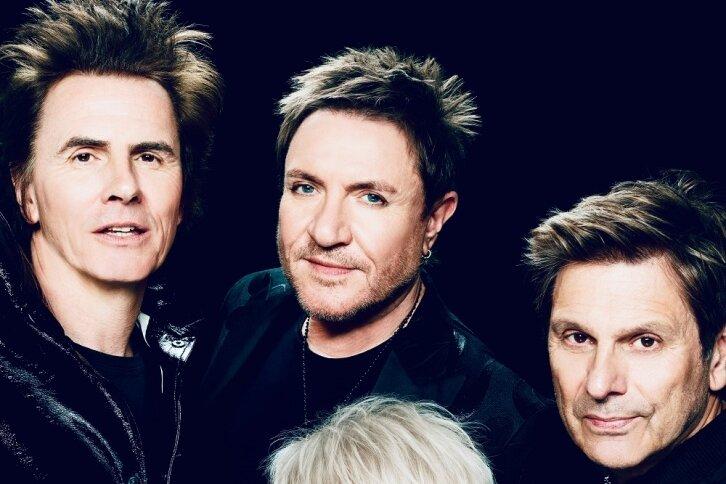 Bassist John Taylor, Sänger Simon Le Bon, Schlagzeuger Roger Taylor (hinten von links) und Keyboarder Nick Rhodes sind Duran Duran.