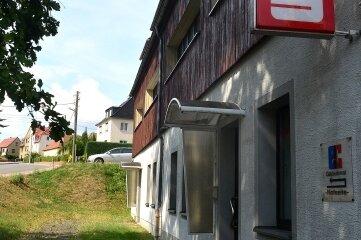 Die Filiale der Sparkasse in Marbach ist von einem Bankräuber heimgesucht worden.