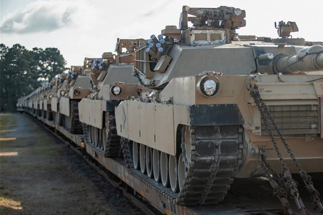 """US-Militärtechnik wird in Deutschland hauptsächlich auf der Schiene transportiert. Aktuell gibt es massive Verlegung wegen der Großübung """"Defender-Europe 21""""."""