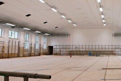 Die Volkshaus-Sanierung kostet zwei Millionen Euro. Das Foto entstand bei einem Termin im Mai.