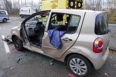 An der Kreuzung Thalheimer Straße / Friedrich-Oskar-Schimmel-Straße sind am Donnerstagfrüh zwei Fahrzeuge zusammengestoßen.