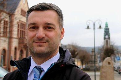 Rico Schmidt ist zehn Jahre Bürgermeister von Adorf.