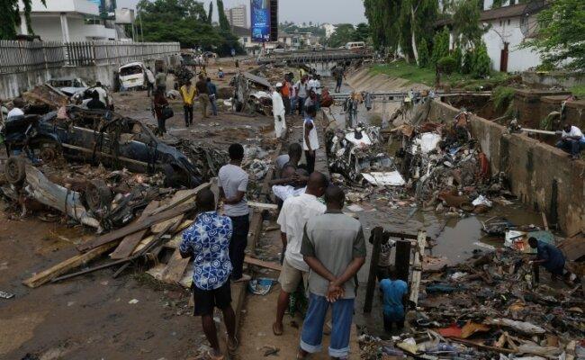 Während eines Starkregens kam es in Ghanas Hauptstadt Accra 2015 zur Explosion einer Tankstelle. Fast 200 Menschen starben.