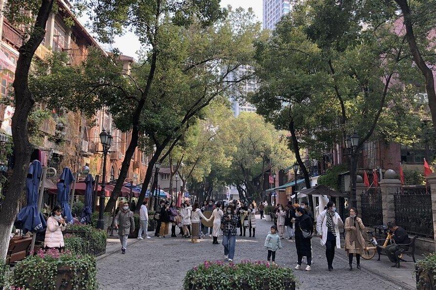 Wuhan, rund ein Jahr danach: Die Bewohner des einstigen Corona-Epizentrums haben die Pandemie überwunden.