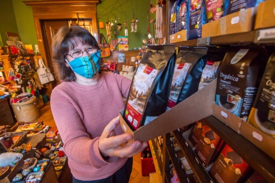 """Birgit Mädler ist Mitglied im Verein """"Aktion Eine Welt Aue"""". Jener betreibt Läden im Auer Bürgerhaus sowie in Eibenstock."""