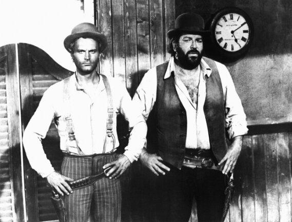 """Held und Haudrauf: Terence Hill und Bud Spencer (rechts) in dem erfolgreichen Italo-Western-Klamauk """"Vier Fäuste für ein Halleluja"""" (1971)."""