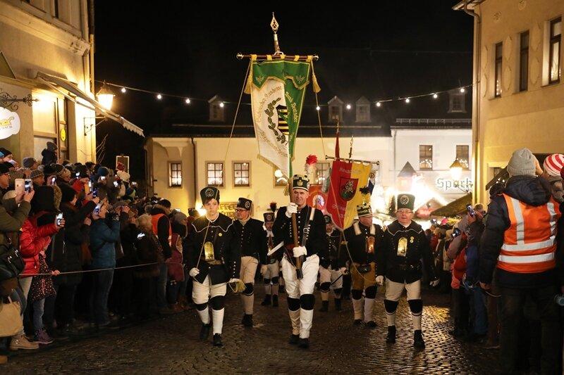 Bergparade zieht durch Schwarzenberg