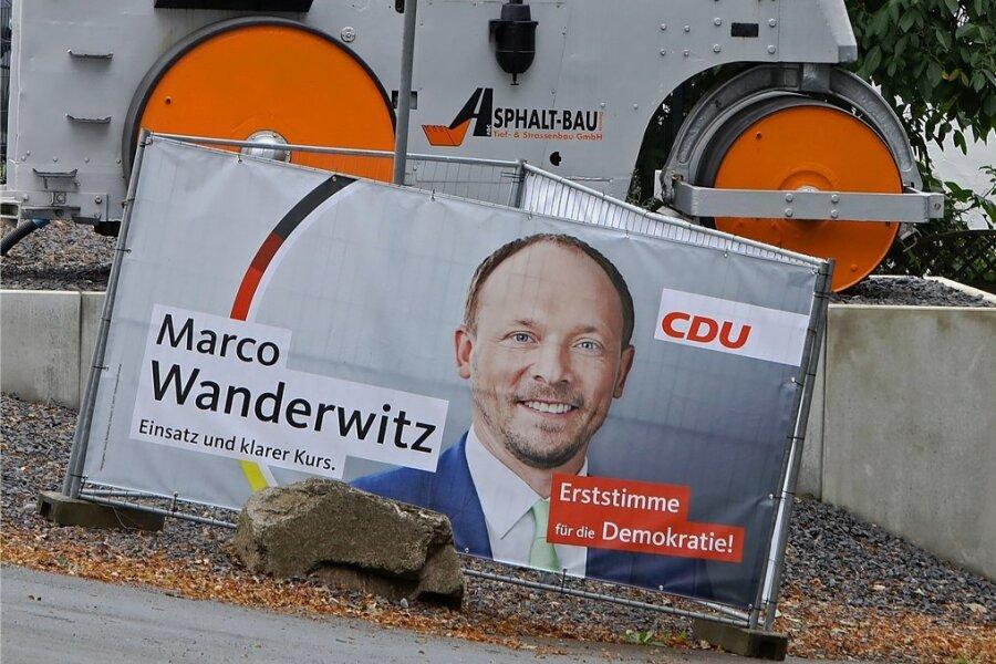 Ein Wahlplakat von Marco Wanderwitz in Bernsdorf. Hat der Ex-Landesgruppenchef die bittere Niederlage der CDU zu verantworten? Die AfD feiert seine Ablösung.
