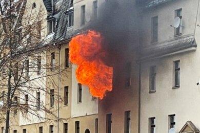 Im Januar brannte an der Hohen Straße gegenüber dem Netto-Markt in Netzschkau eine Wohnung. Es gab ein Todesopfer.