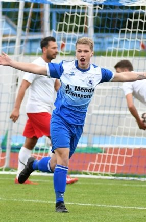 Viel Grund zum Jubel: Nick Goeschel traf in der kurzen Saison der Mittelsachsenliga fünfmal für den SV Germania II und war mit dem Rochlitzer Christoph Eckart bester Torjäger der Liga.