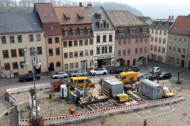 Der Blick aus dem Dachgeschoss des Rathauses auf den Marktplatz in Waldenburg.