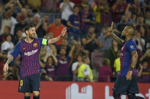 Lionel Messi (l.) bleibt Barcelonas Torgarant