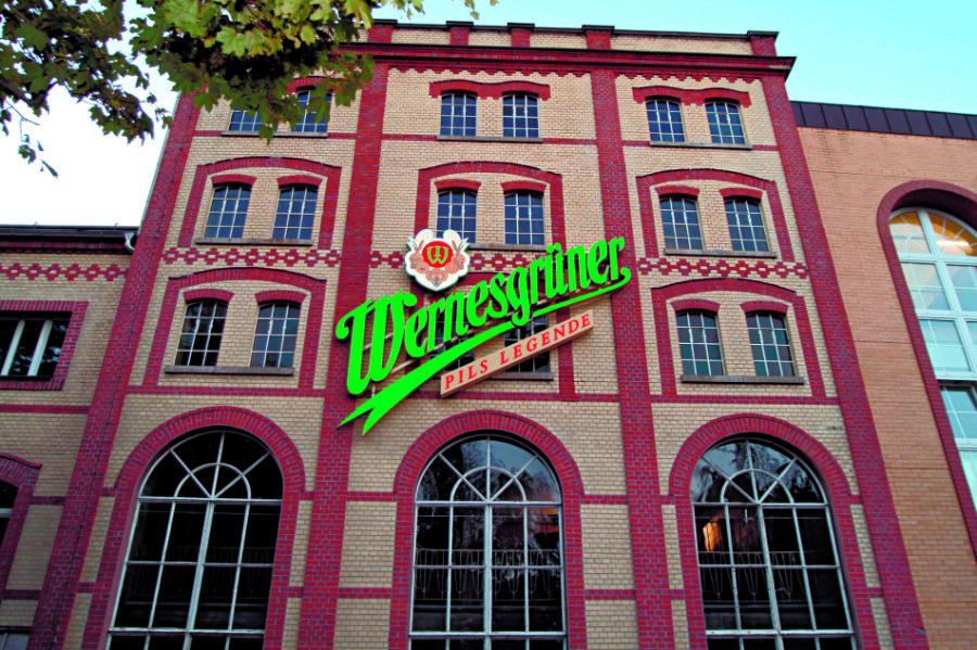 Die Wernesgrüner Brauerei beschäftigte im Vorjahr eigenen Angaben zufolge am Standort im Vogtland noch 87 Mitarbeiter und neun Lehrlinge.