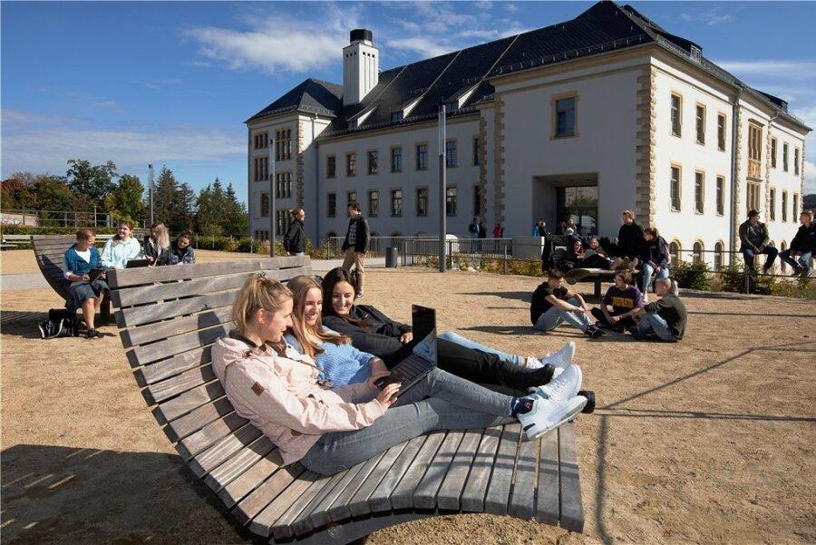 Die Berufsakademie in Plauen ist die jüngste Hochschule in Sachsen. Sie existiert seit rund 20 Jahren und bekam erst kurz vor Corona einen eigenen Campus. Jetzt hofft der Direktor auf Zuwachs.