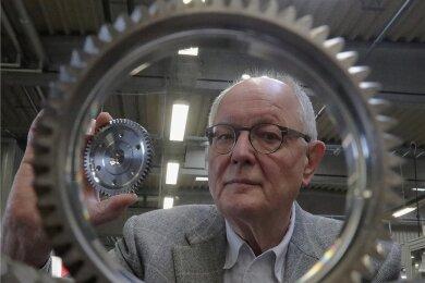 Hat den Durchblick: Hubertus Bartsch, Chef der Neue ZWL Zahnradwerk Leipzig GmbH in Liebertwolkwitz.