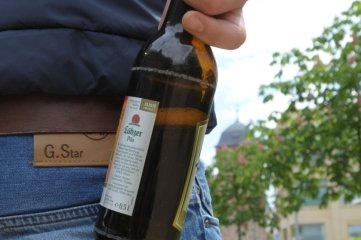 Alkohol soll künftig nicht nur auf Spielplätzen, sondern auch rundherum tabu sein.