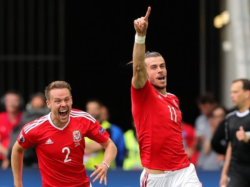 Erstes EM-Spiel, erster Sieg: Wales jubelt mit Gareth Bale.