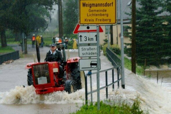 Land unter im August 2002 in Weigmannsdorf.