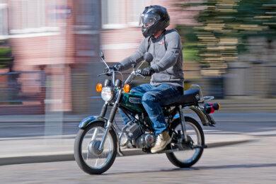 Für die Flucht vor der Polizei hatte der Jugendliche offenbar einen guten Grund: Sein Moped war getunt.