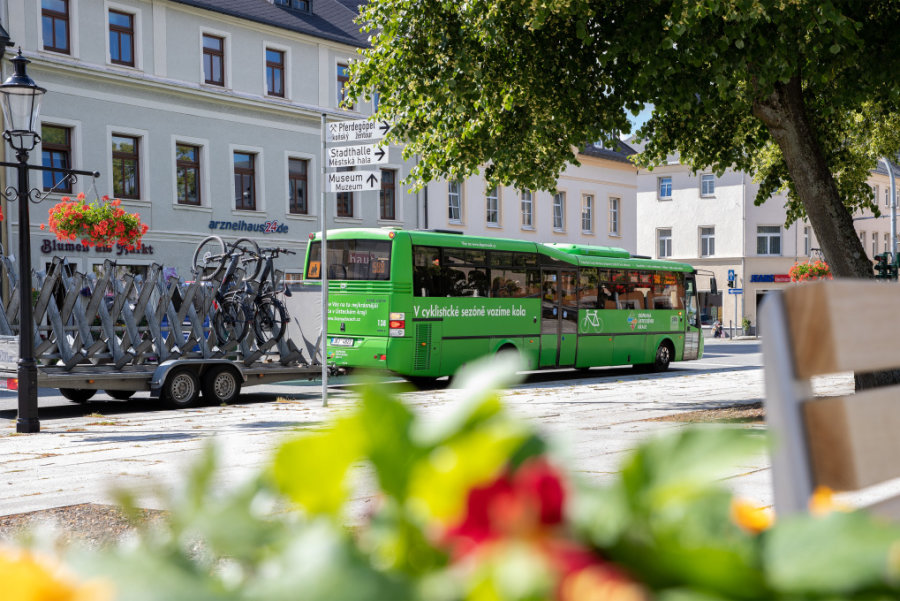 Kleiner Grenzverkehr mit Bus und Bahn startet im Erzgebirge