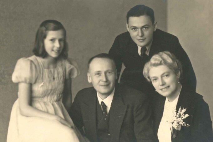 Die Familie Bochmann im Jahr 1939. Familienpatriarch Franz Bochmann war ein erfolgreicher Meeraner Textilunternehmer.