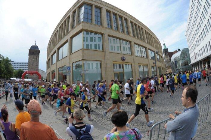 Der Chemnitz-Marathon, hier ein Schnappschuss aus dem Vorjahr, wird am 4. Juli wieder für reichlich Belebung in der Innenstadt sorgen.